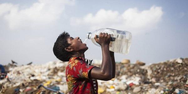 OMS: circa 2 miliardi di persone bevono acqua contaminata
