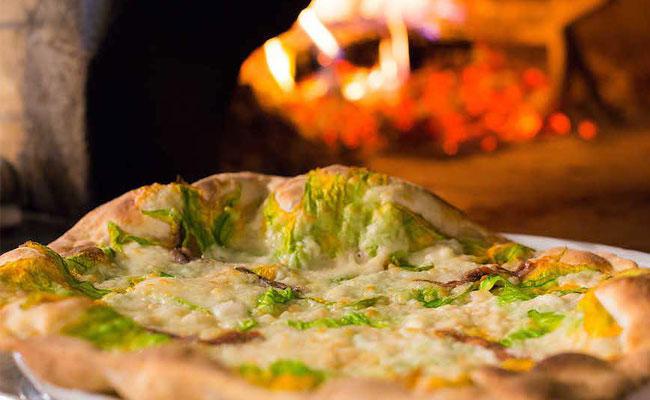 pizza con fiori di zucca ricetta