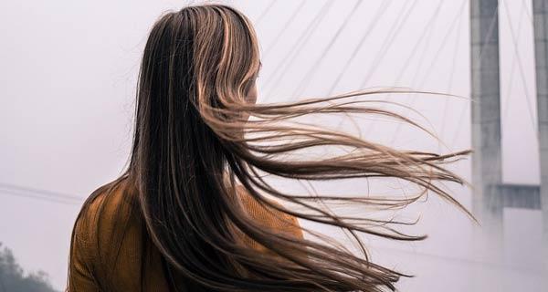 come far crescere i capelli