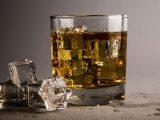 Alcol, solo non consumarlo protegge da ogni pericolo