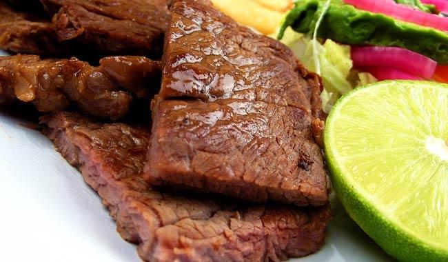 Ecco alcuni rischi per la salute che il consumo di carne puo avere