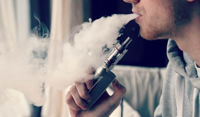 Sigarette elettroniche aromatizzate sono nocive come le classiche