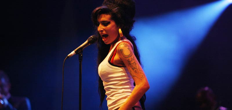 Amy Winehouse torna a rivivere in tour con un ologramma