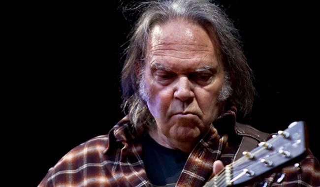 Neil Young e Daryl Hannah matrimonio confermato