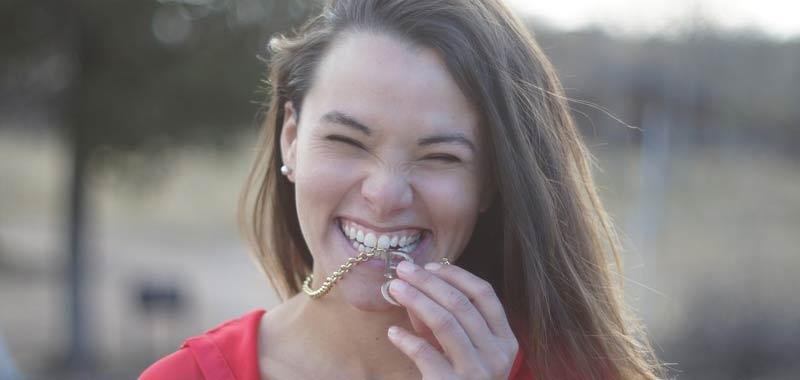 Denti ecco come liberarsi del fastidioso tartaro