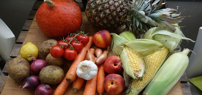 Mangiare frutta e verdura fa bene anche umore dice uno studio