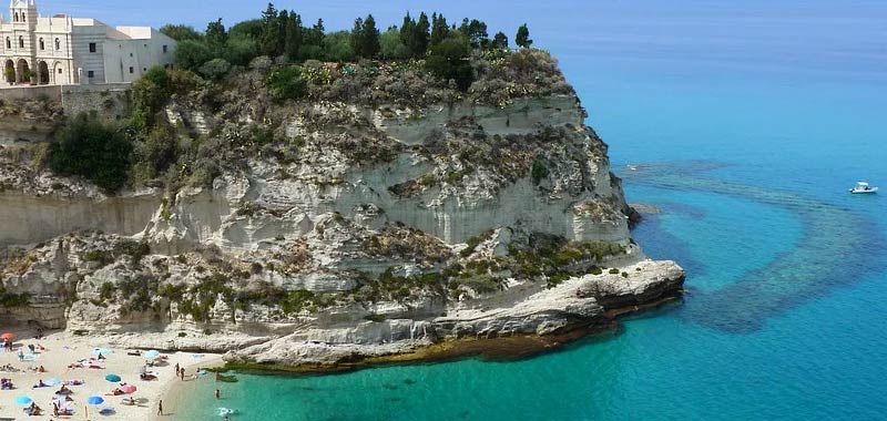 Calabria, ordinanza della Santelli sulle riapertura bocciata dal Tar
