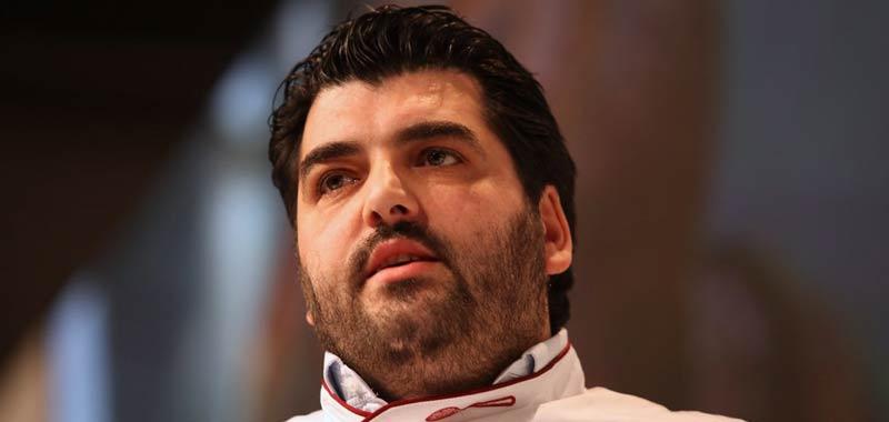 Antonino Cannavacciuolo ha rivoluzionato il suo aspetto