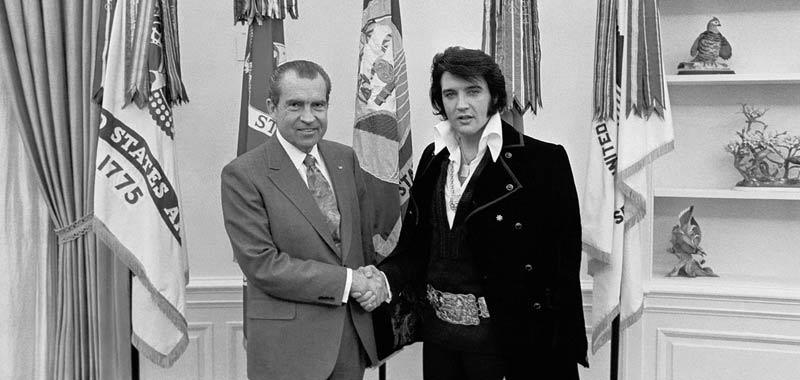 Quella volta che John Lennon conobbe Elvis Presley che disastro