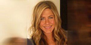 Jennifer Aniston Il suo albero di Natale scatena polemiche